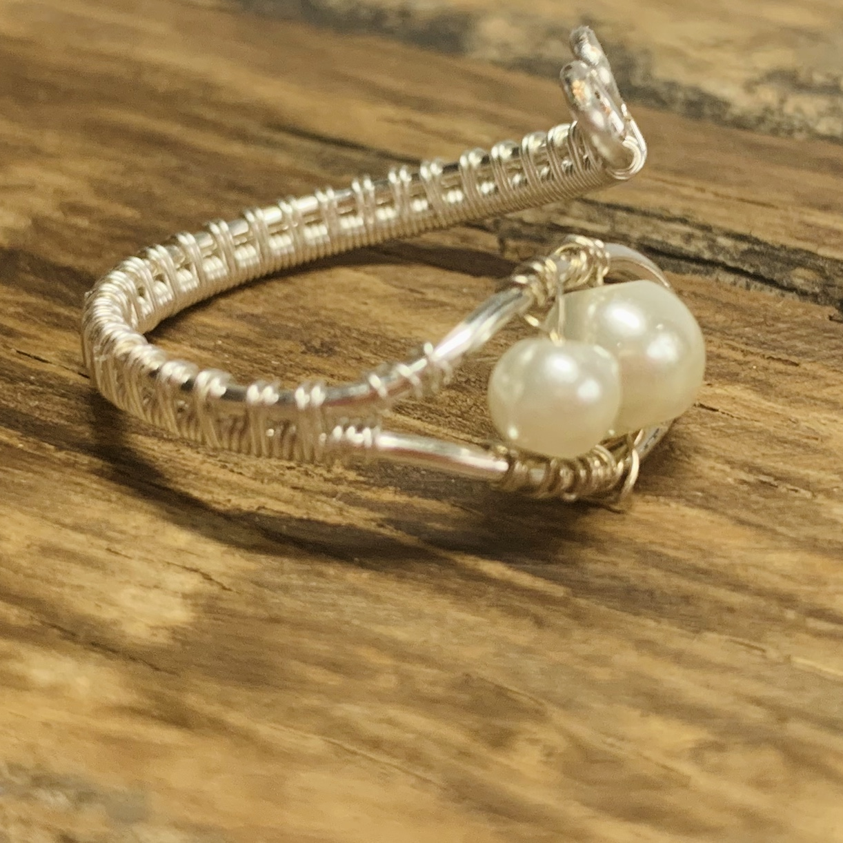 Adjustable Ring – Silver Plated Wire With Pearl White Beads