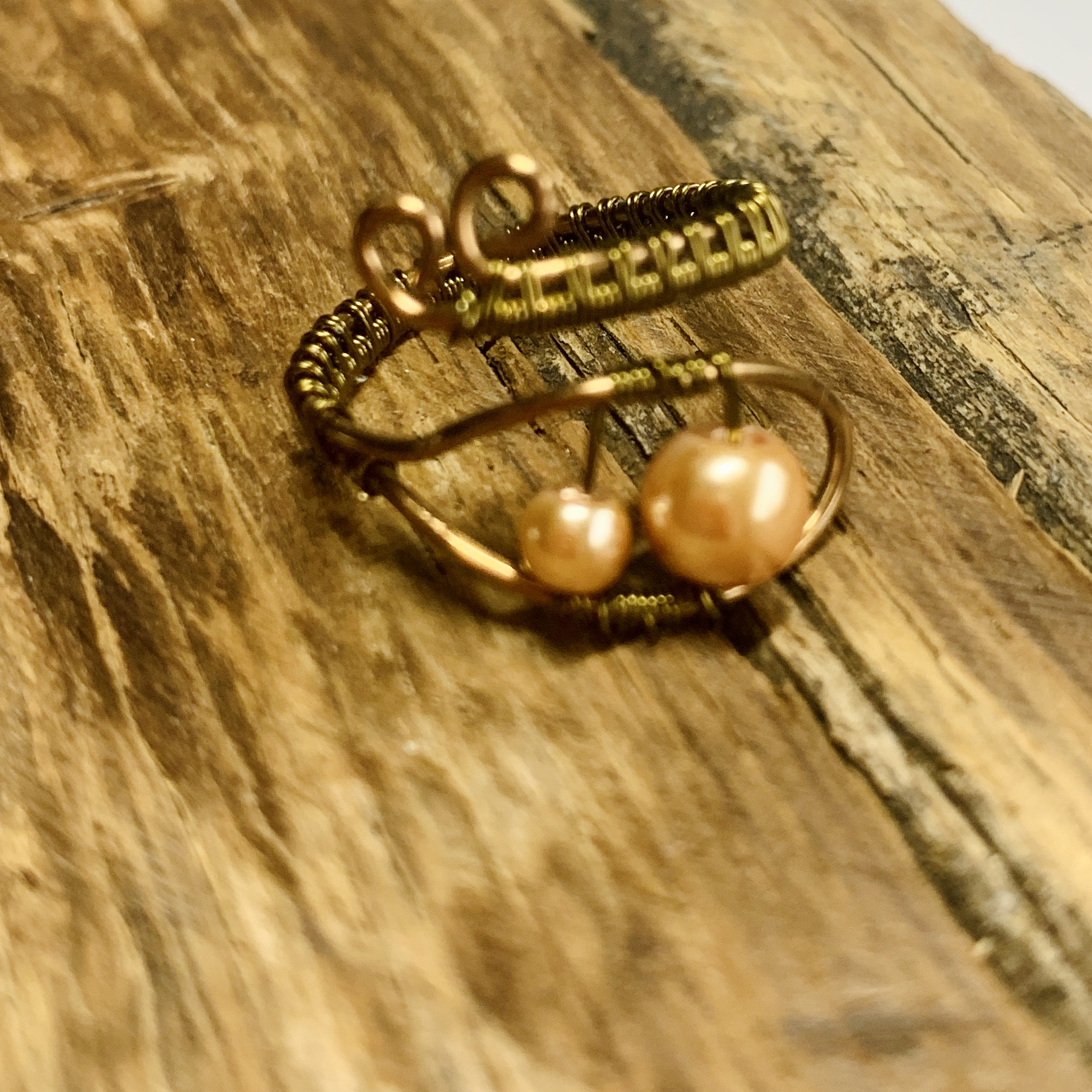 Adjustable Ring – Antique Bronze Wire With Peach Beads